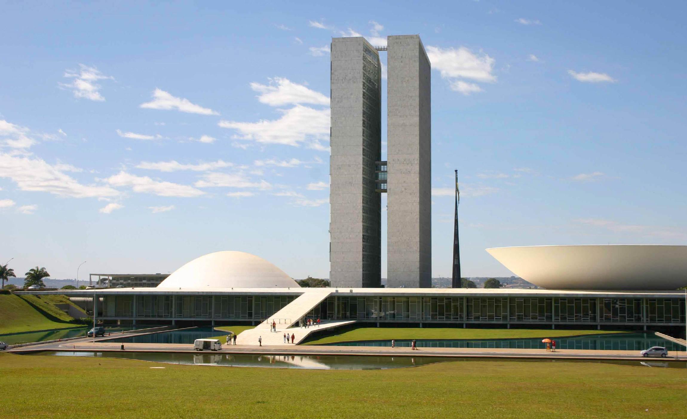Tips brasilia life tools clim amazon ird clim amazon for Arquitectura moderna
